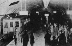地下鉄御堂筋線開業当時の様子2